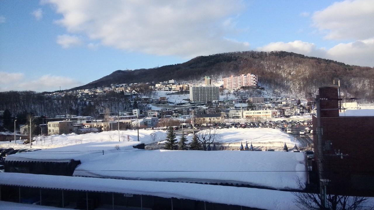 Pemandangan dari jendela kelas SMA Moiwa