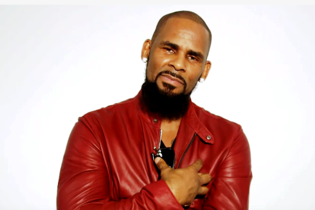 source : http://power983.com/r-kelly-proposed-to-his-mom/